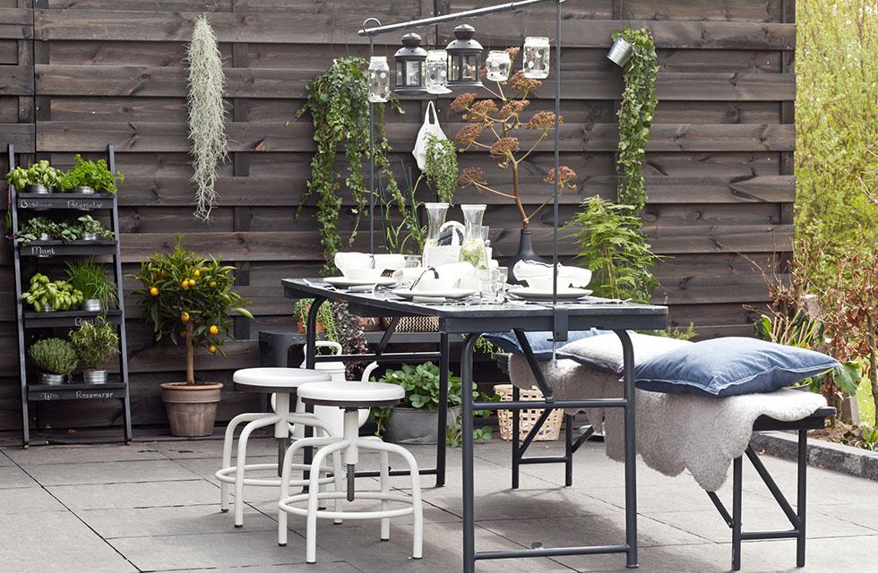 Hang Schommelstoel Tuin : Vtwonen doe het zelf: cubic pergola met hangstoel karwei